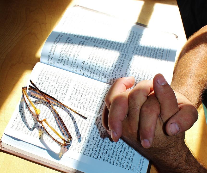 de bijbel bidden